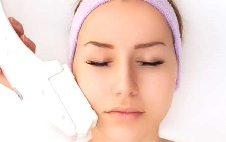 Hyperpigmentation assists with spots caused by premature ageing or sun radiation