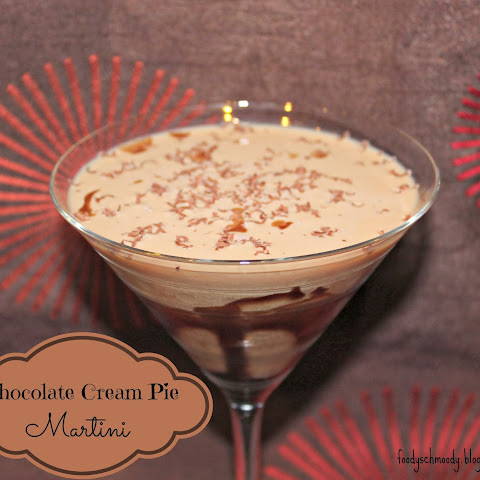 Chocolate Cream Pie Martini (& The Wednesday Roundup #3)