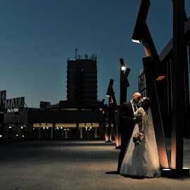 by Daniel Klein - Wedding Bride & Groom