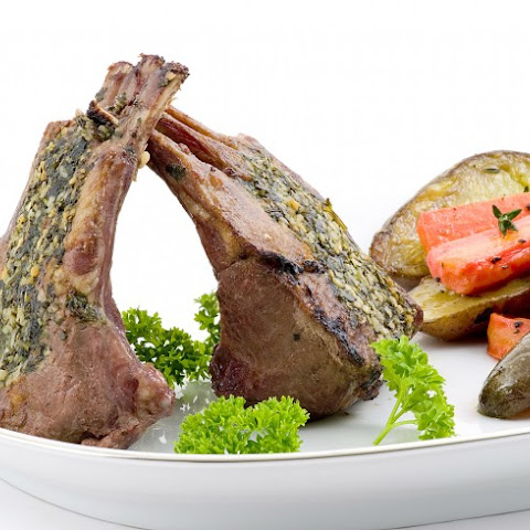 Rack Of Lamb With Mint Topping