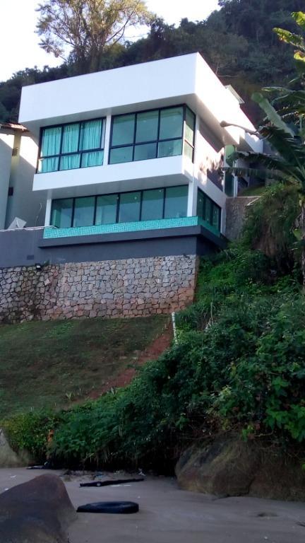 Angra dos Reis - Casa Maravilhosa no Pé da Praia Piscina 05 Dorms (4 Suítes) na Rodovia Mário Covas km 845, Pontal para Venda.