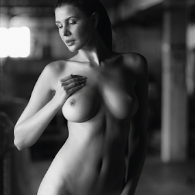 by Reto Heiz - Nudes & Boudoir Artistic Nude ( sexy, model, nude, black and white, beautiful )