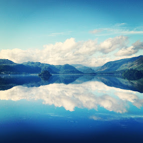Lake District by Seamus Crowley - Instagram & Mobile iPhone ( water, uk, blue, green, lake reflection, morning, lake district )