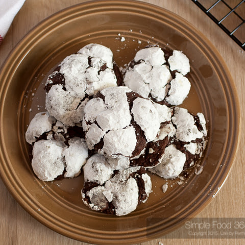 Old Fashioned Chocolate Crackle Cookies