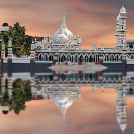 Beautiful Mosque by Vincent Ng - City,  Street & Park  Vistas