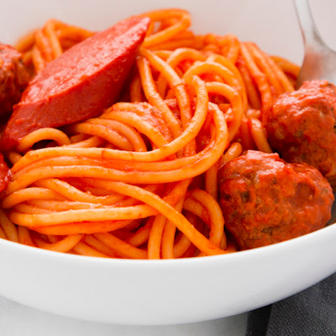 How to Make Filipino-Style Spaghetti with Meatballs