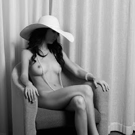 Thinking by Niel Lombaard - Nudes & Boudoir Artistic Nude