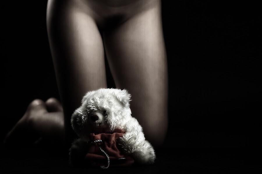Lucky Bear by Ayeeb Sasabone - Nudes & Boudoir Boudoir