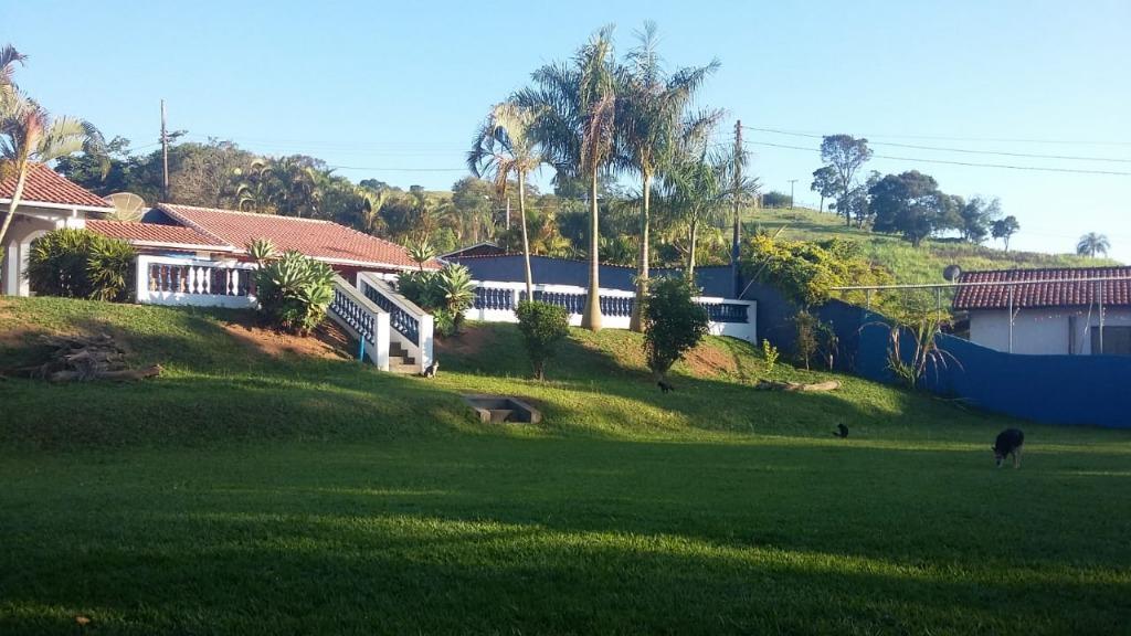 Chácara com 3 dormitórios à venda, 2500 m² por R$ 650.000 - Guaripocaba - Bragança Paulista/SP