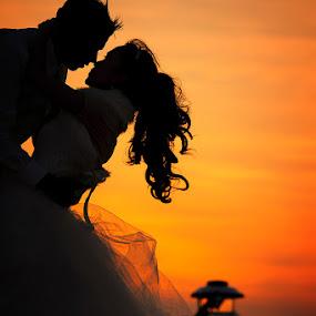 by Jari Foto - Wedding Bride & Groom