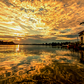 The final countdown. by Victor Sim - Landscapes Sunsets & Sunrises ( clouds, sunset, reflections, landscape, sun, river )