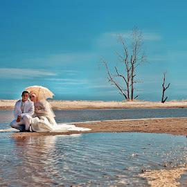 by Daniel Chang - Wedding Bride & Groom