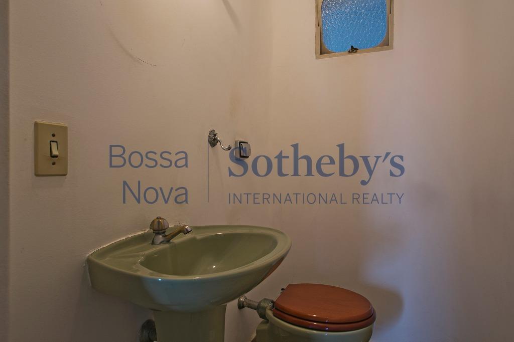 Excelente localização, ao lado dos Clubes Hebraica e Pinheiros e Shopping Iguatemi