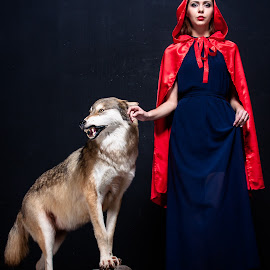 lady and wolf by Vladimir Firsov - People Portraits of Women ( animals, russiam beauty, russian woman, wolf, studio portrait, lady )