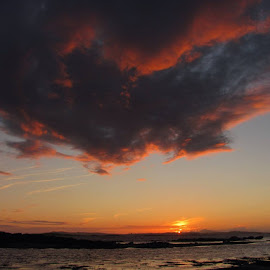 Tonight's sunset offering..... by Dave Jellybean - Landscapes Cloud Formations