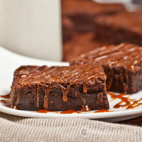 Dark Chocolate Fudge Brownies with Caramel