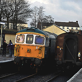 Damp  diesels by Gordon Simpson - Transportation Trains