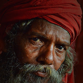 inquisitive mind by Arnab Bhattacharyya - People Portraits of Men ( monk, sage, red, naga-sadhu, indian, portrait, culture, eye )