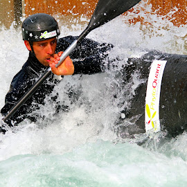 Hitting the Turn by Harry  Phillips - Sports & Fitness Watersports