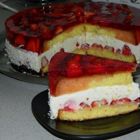 Strawberry Cake With Curd Interlayer