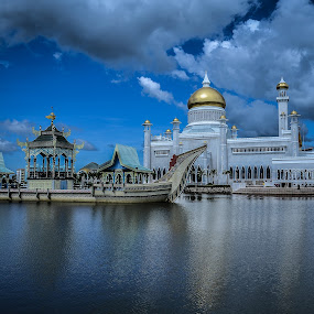 Sultan Omar Ali Saifuddien Mosque by Cristopher Selga - Buildings & Architecture Places of Worship ( clouds, water, sky, blue, mosque, reflections, gold )