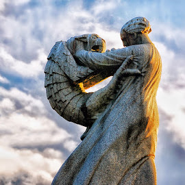 Vigeland's statue by Sonia Thorlin - Buildings & Architecture Statues & Monuments ( beast, statue, sunset dance, oslo, beauty and the beast, vigelandspark, beauty )