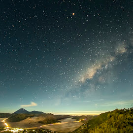In the Night by Mac Evanz - Landscapes Starscapes