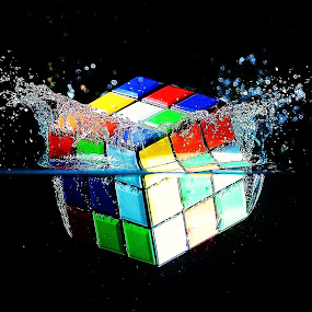 Splash by Vineet Johri - Artistic Objects Other Objects ( water, pwcstilllife-dq, vkumar, rubic cube, splash, drops,  )