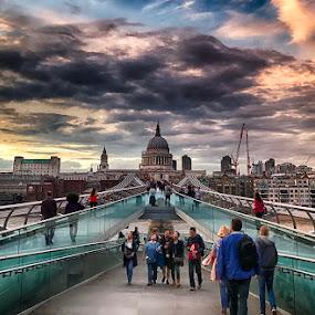 Millennium Bridge by Abdul Rehman - Instagram & Mobile iPhone ( england, london, millennium bridge, uk, church, saint paul,  )