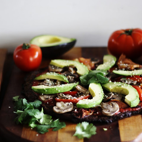 ULTIMATE RAW VEGAN PIZZA (LOW-FAT, OIL-FREE, SALT-FREE)