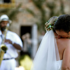 Saxo by Philippe Grosvald - Wedding Bride & Groom