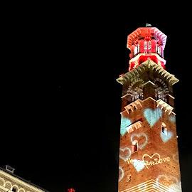 Luci sulla Torre dei Lamberti a Verona  by Patrizia Emiliani - Buildings & Architecture Public & Historical ( italia, verona, luci, torre )