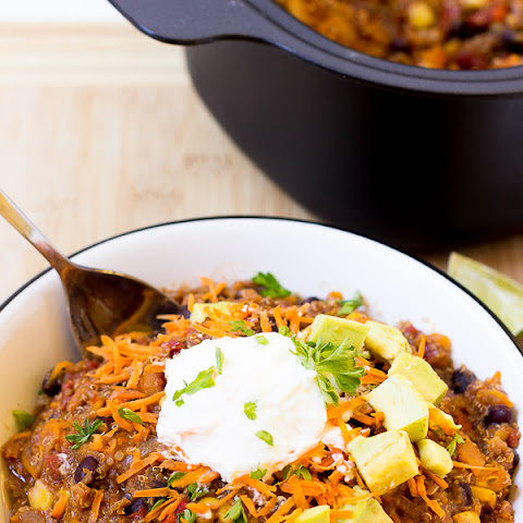 Slow Cooker Sweet Potato, Quinoa and Black Bean Chili