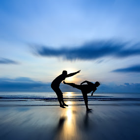 Eat this Punk !~ by Shahril Khmd - People Street & Candids ( enemy, kick, moving, fight, moment, sunset, death, die, ocean, sunrise, beach, dead )
