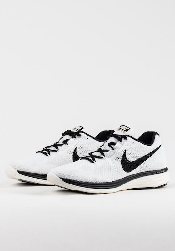 Nike Flyknit Lunar 3 White