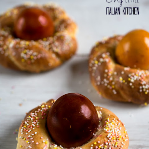 Individual Italian Easter Bread with eggs