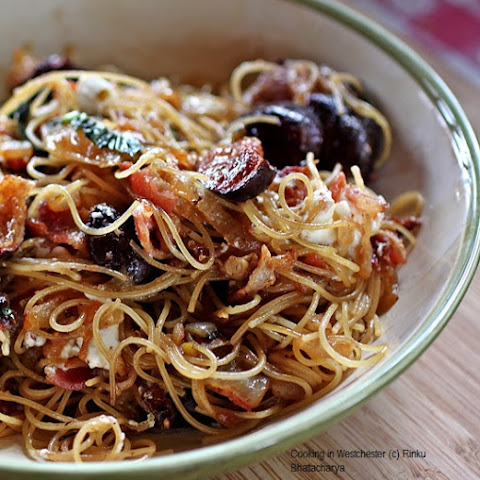 Pasta with Roasted Figs, Bacon, Goat Cheese and Carmelized Onions