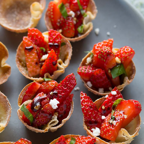Balsamic Strawberry Wonton Bites