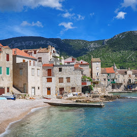 Peaceful life in Komiza by Dubravka Krickic - Buildings & Architecture Homes ( houses, village, komiza, boats, croatia, sea, seaside, small )