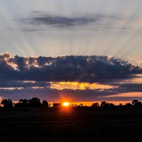 milton, wisconsin sunrise by Jason Lockhart - Landscapes Sunsets & Sunrises ( clouds, farm, wisconsin, milton, sunrays, sunrise, landscape )
