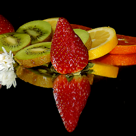 citrus with strawberry by LADOCKi Elvira - Food & Drink Fruits & Vegetables ( citurus )