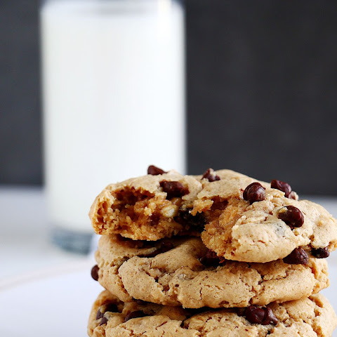 Peanut Butter & Choc Chip Oatmeal Cookies