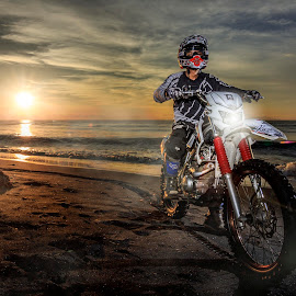 The Crosser by Ade Irgha - People Professional People