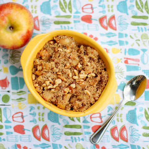 Apple Pie Quinoa with Cinnamon