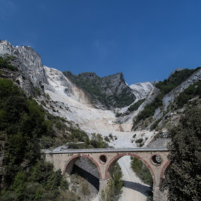 Carrara Italy by Lieven Lema - Landscapes Mountains & Hills ( toscane, carrara, eos 5d mkii, 2011, genua )
