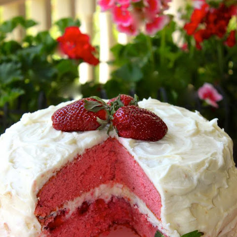 Strawberry Layer Cake & Sweet Mascarpone Cheese Icing