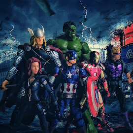 Avengers by Sugihto Tantono - Artistic Objects Toys