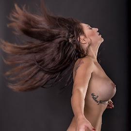 Wind by Adriano Ferdinandi - Nudes & Boudoir Artistic Nude