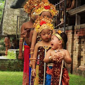 Bali children by Bram Antonius.T - Babies & Children Children Candids