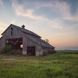Midwest Farm by Amy Ann - Buildings & Architecture Other Exteriors ( farm, sunset, midwest, farmland, decay, abandoned )